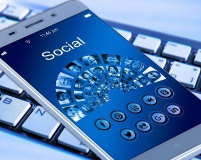 Réseaux sociaux : aspects juridiques et algorithmes